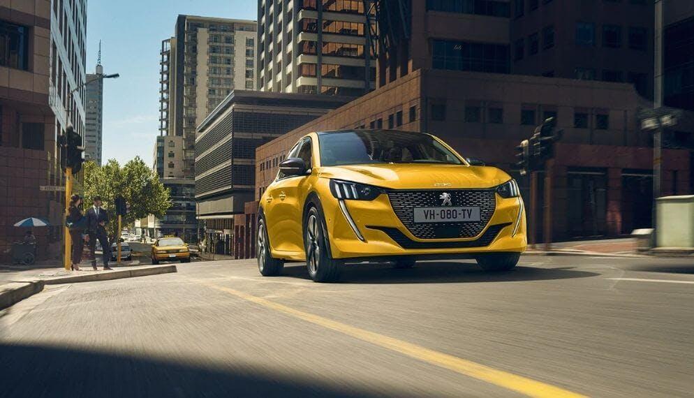 Peugeot 208 jaune face avant