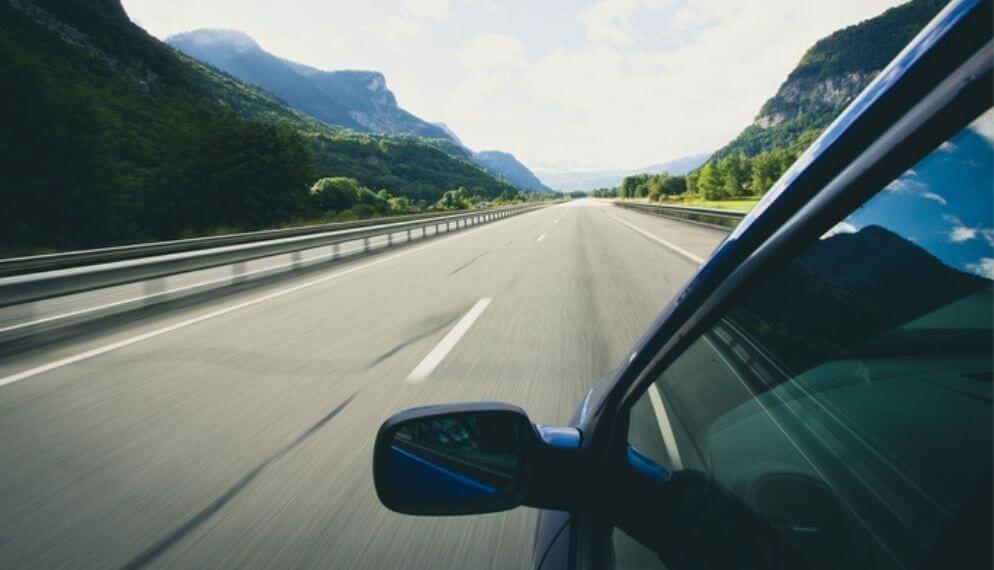 Rouler à 110 km/h sur autoroute au lieu de 130, qu'est-ce que ça change ?