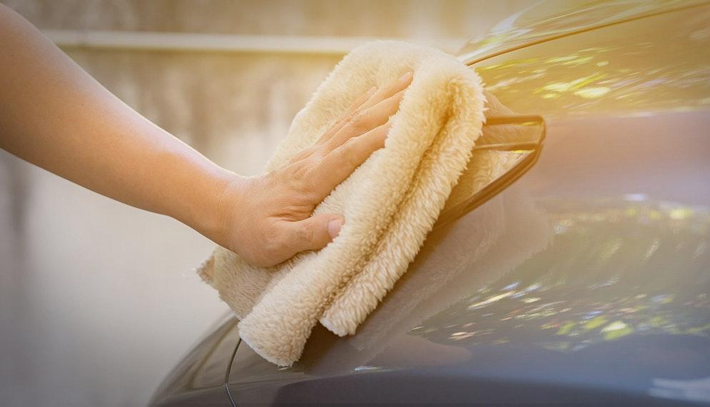 Comment laver sa voiture sans eau ?