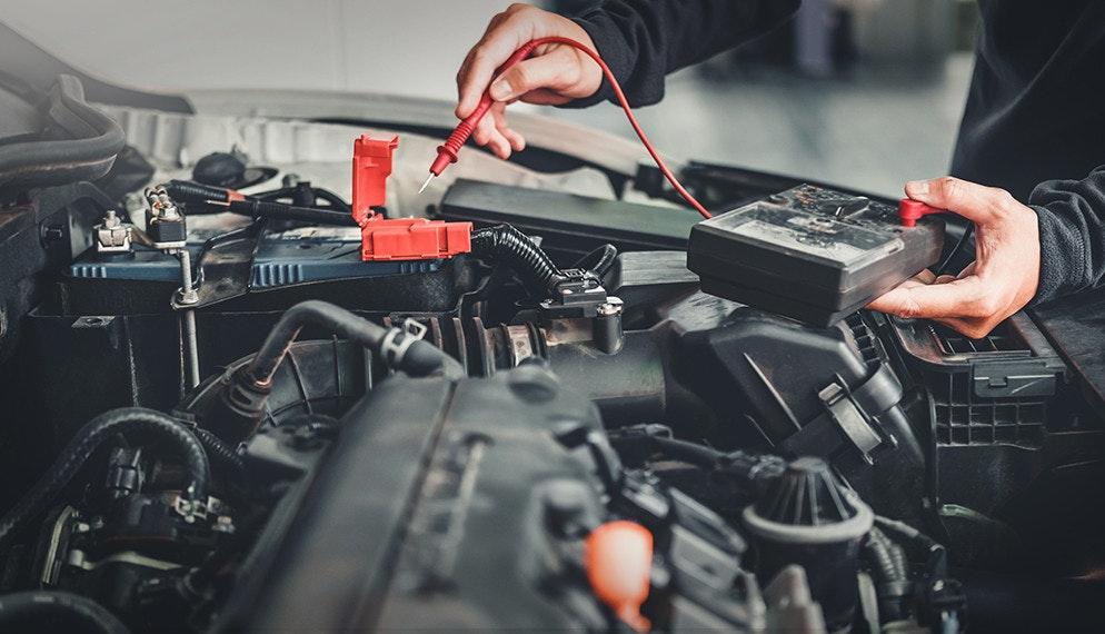 Entretien des batteries automobiles pendant le confinement