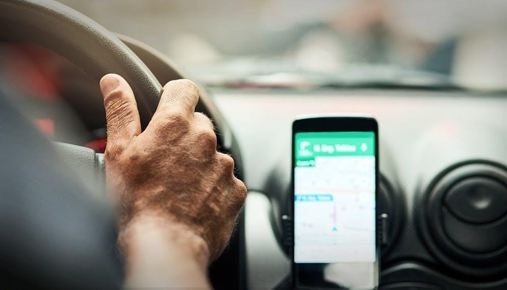le téléphone : une utilisation de plus en plus fréquente au volant