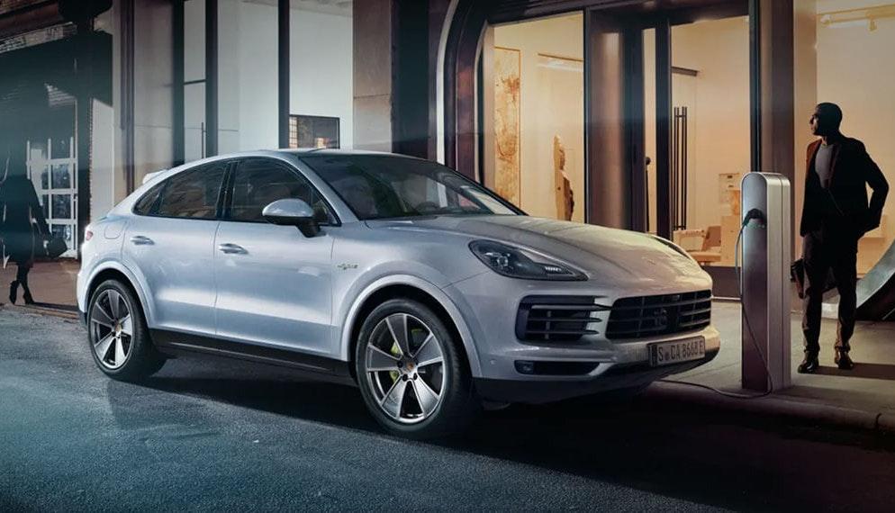 En 2020, Porsche a vendu plus de voitures électriques que thermiques en France