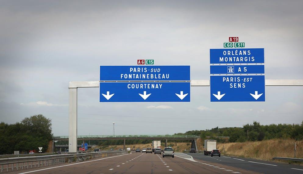 Circulation sur autoroute : rappel des règles de conduite concernant la voie du milieu