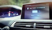 écran chargement batterie électrique automobile