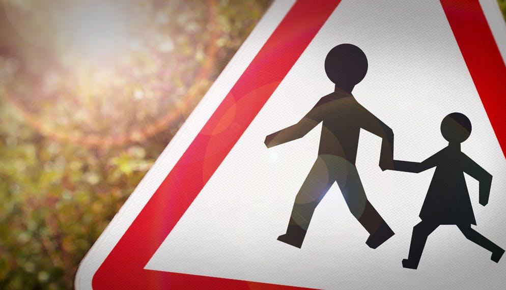A quel âge puis-je laisser mon enfant se rendre seul à l'école ?
