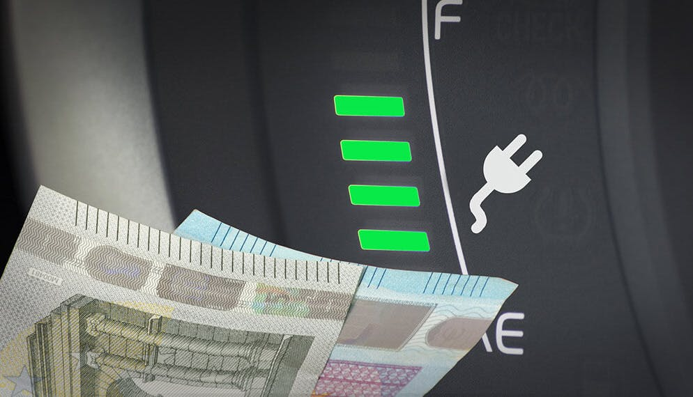 argent billets euro écran niveau batterie voiture électrique