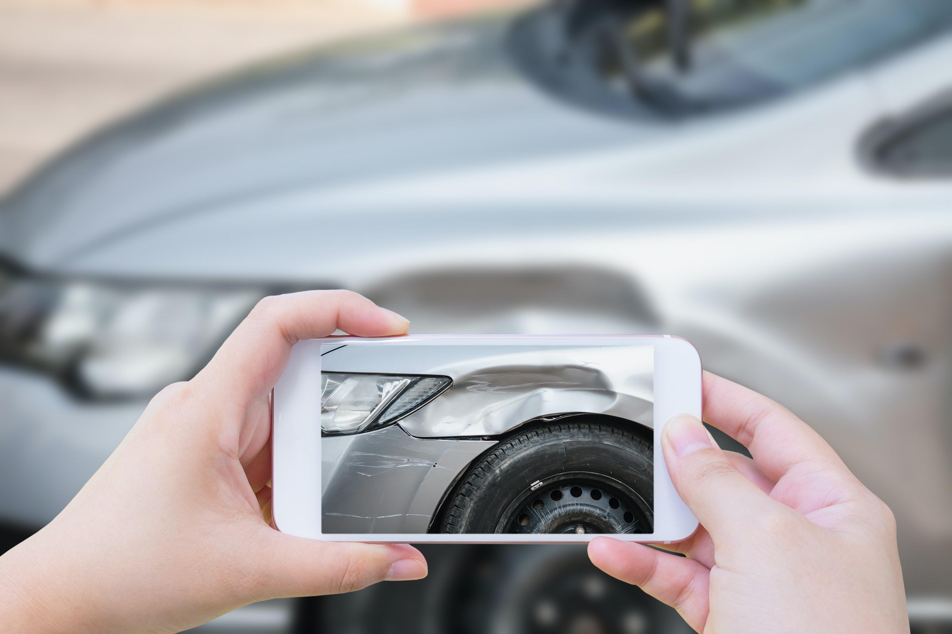 En cas d'accident en chaîne ou carambolage, prenez des photos des véhicules et de leur plaque d'immatriculation.