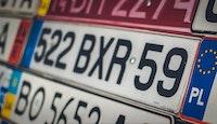 Un décret supprime l'obligation de changement d'immatriculation des anciennes plaques.