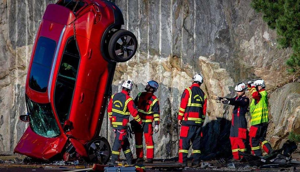 Volvo organise un crash test extrême avec ses voitures