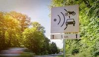 panneau signalant zone de contrôle de vitesse