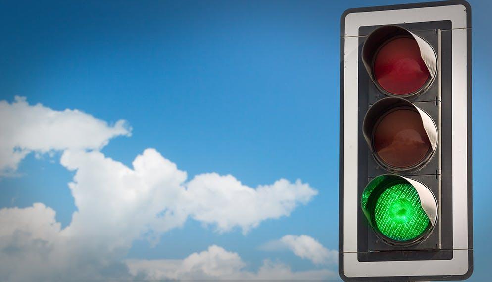 Vitesse de circulation : les feux tricolores intelligents autorisés