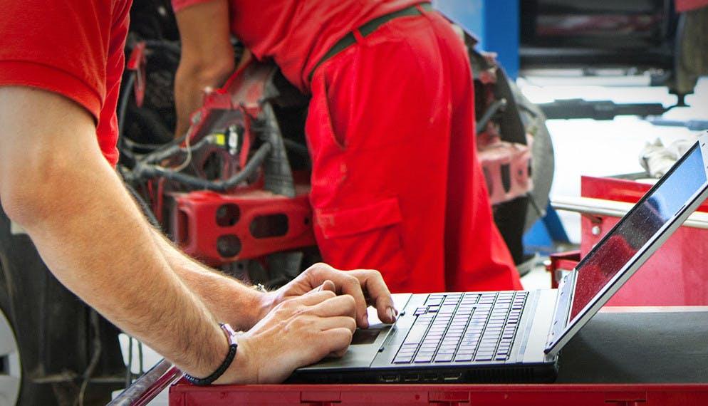 Le carnet d'entretien auto passe progressivement au digital