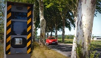 radar automatique route platanes voiture