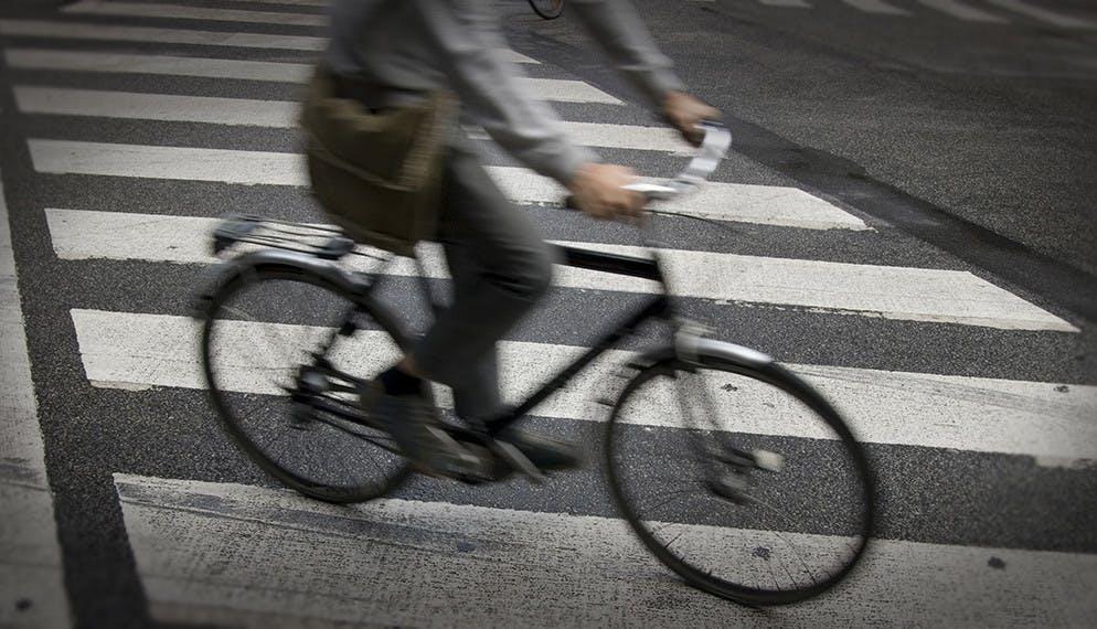 Généralisation parisienne du « cédez-le-passage » cycliste au feu rouge
