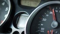 cadran vitesse tableau de bord voiture