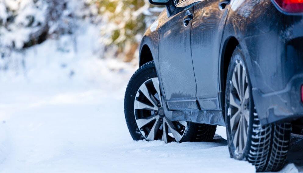 voiture électrique neige