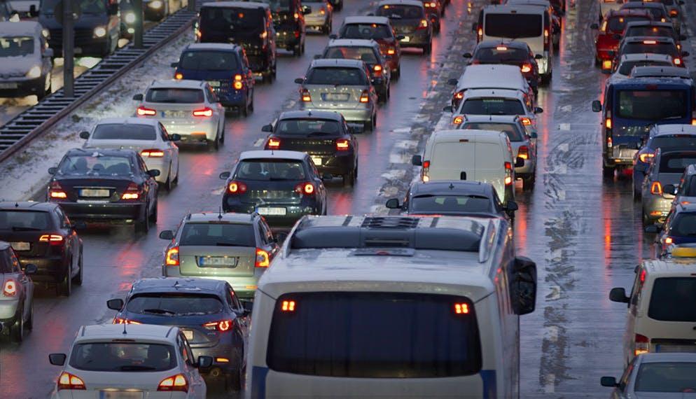 Pollution : les particules fines dues au chauffage au bois et aux freinages automobiles sont les plus nocives pour la santé