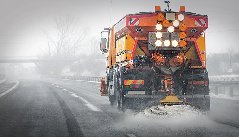 Entretien automobile : comment prévenir les dégâts dus au salage des routes ?