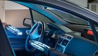 habitacle voiture lampes à UV système UVmobi