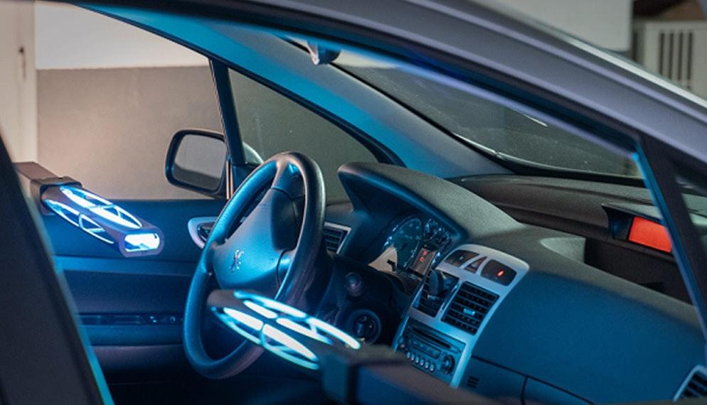 Covid 19 : des lampes à UV pour désinfecter l'habitacle des voitures