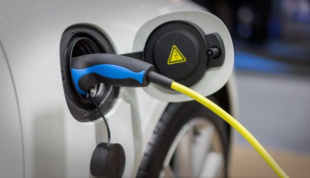 Ventes auto : en septembre l'électrique a dépassé le diesel !