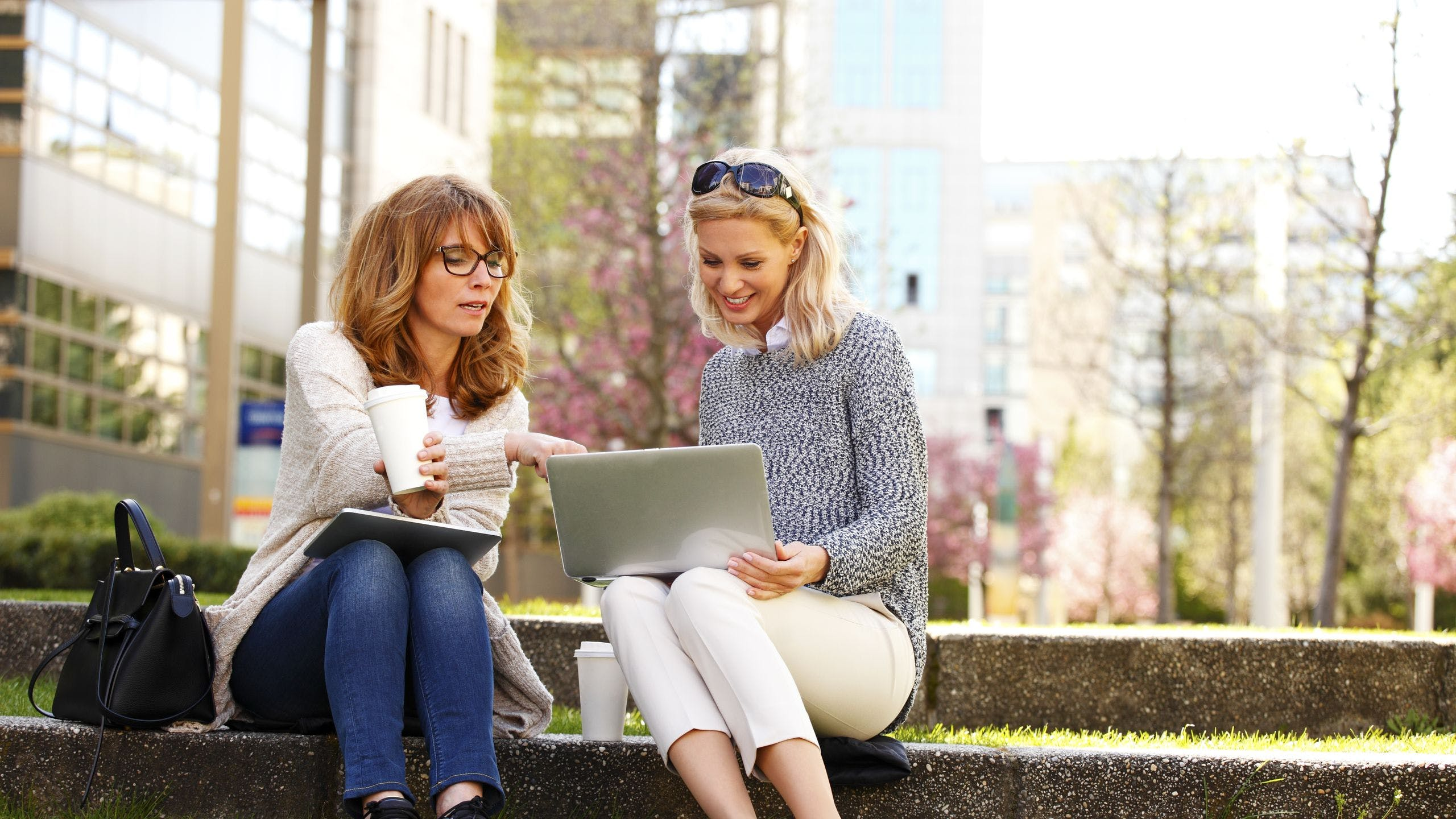 AXA Luxembourg - Une fiscalité avantageuse sur les régimes complémentaires de pension proposés par les employeurs