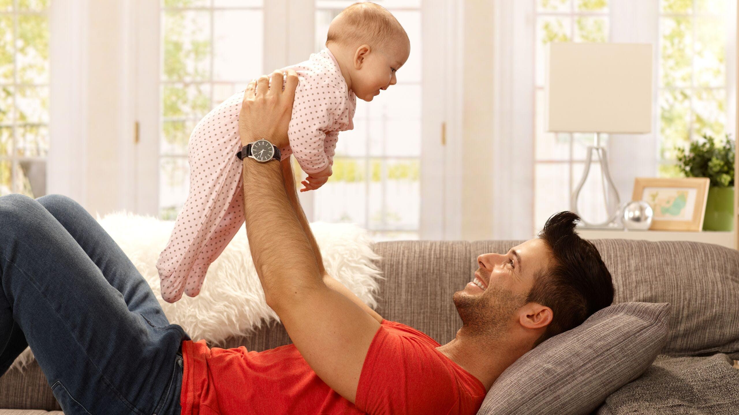 AXA Luxembourg - Congé parental pour le papa et la maman