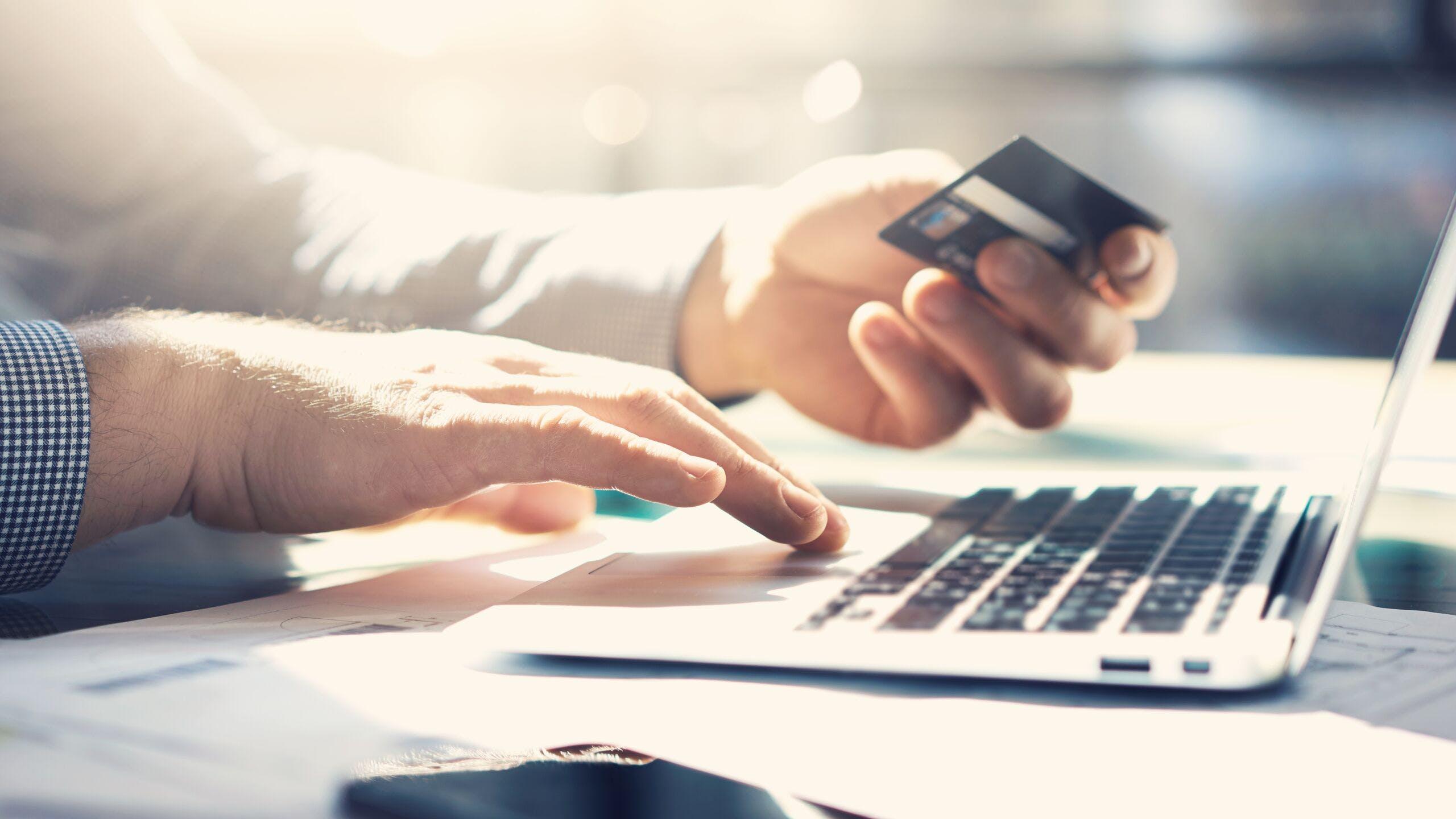 AXA Luxembourg - Enregistrer vos numéros de carte bancaire sur votre ordinateur