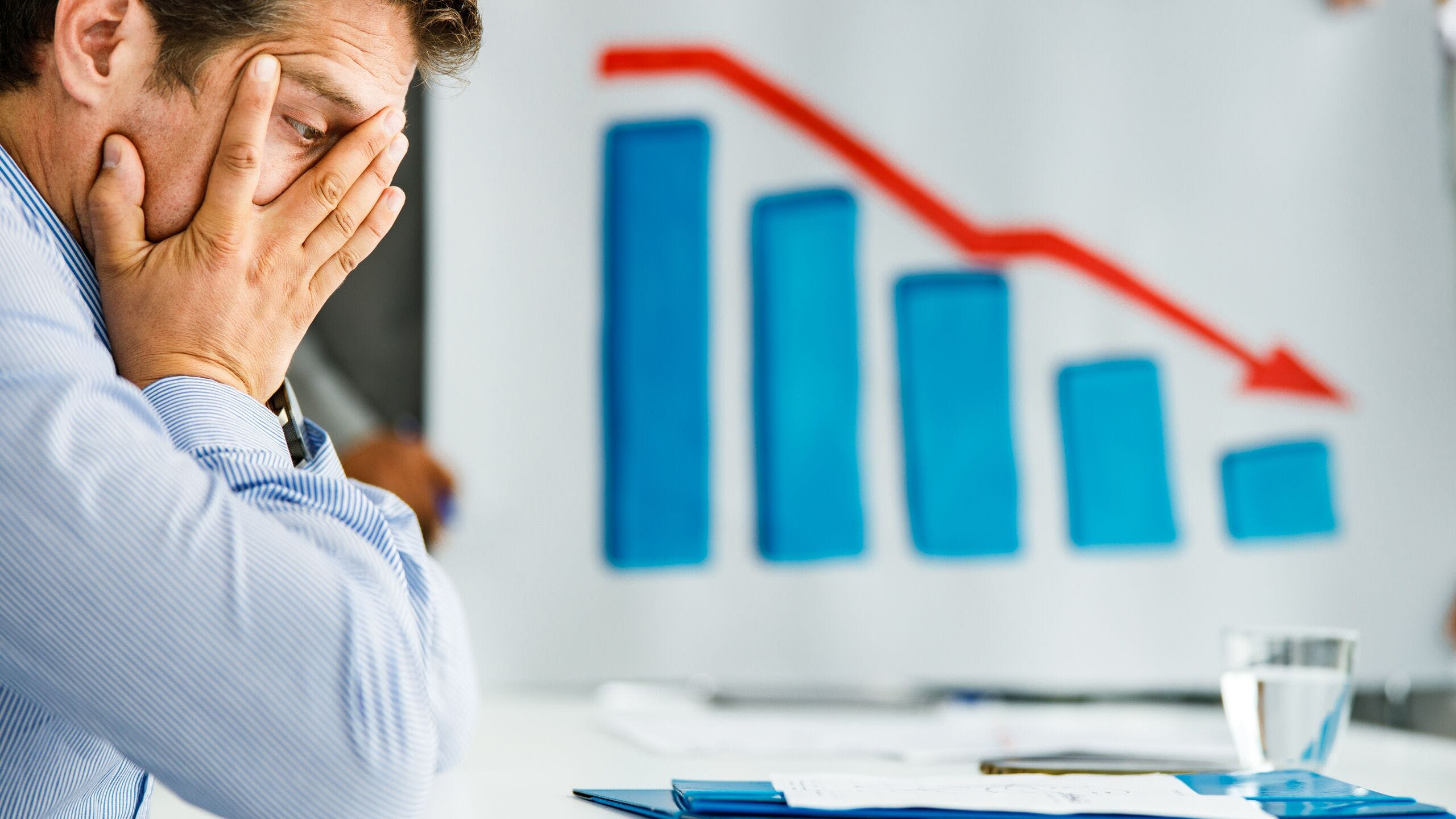 AXA Assurances Luxembourg : compenser la perte de revenu liée au départ à la retraite en mettant en place une stratégie d'épargne en fonction de son âge