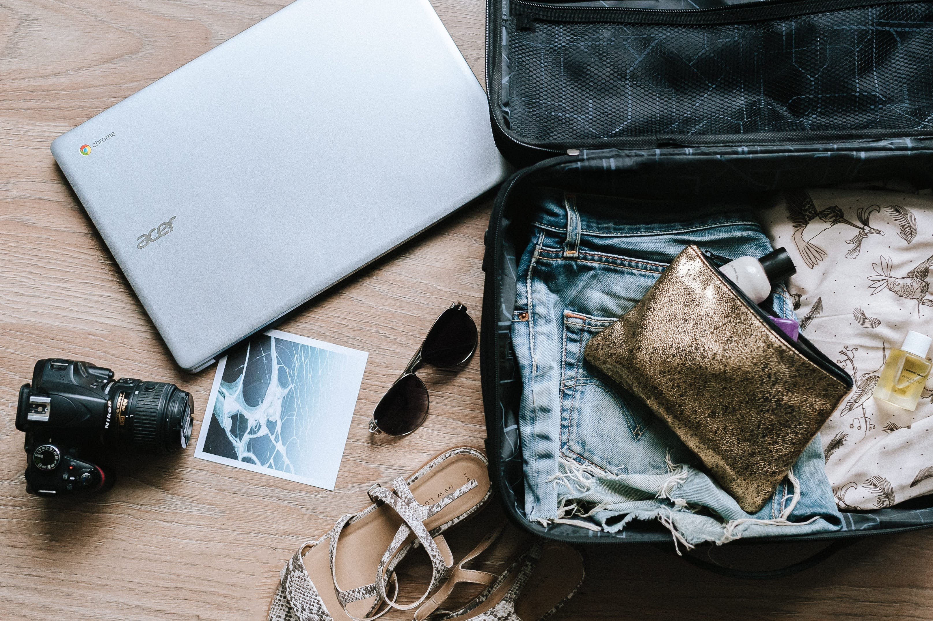 Pack your travel belongings to maximize space